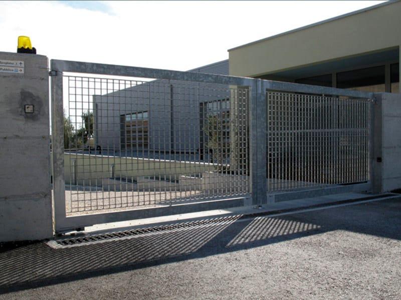 Cancello in acciaio cancello grigliati baldassar for Baldassar recinzioni