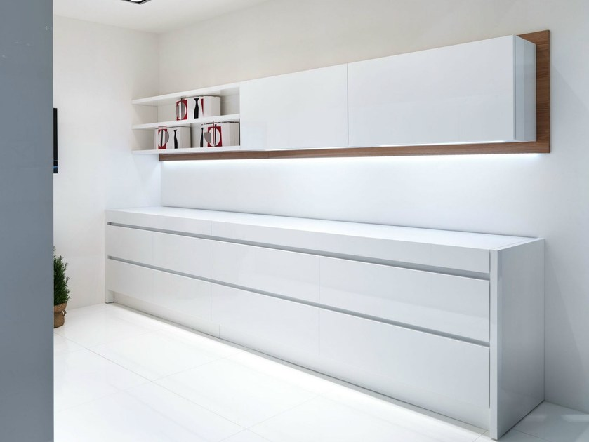 Lacquered linear kitchen with integrated handles CONTEMPORA | Linear kitchen - Aster Cucine