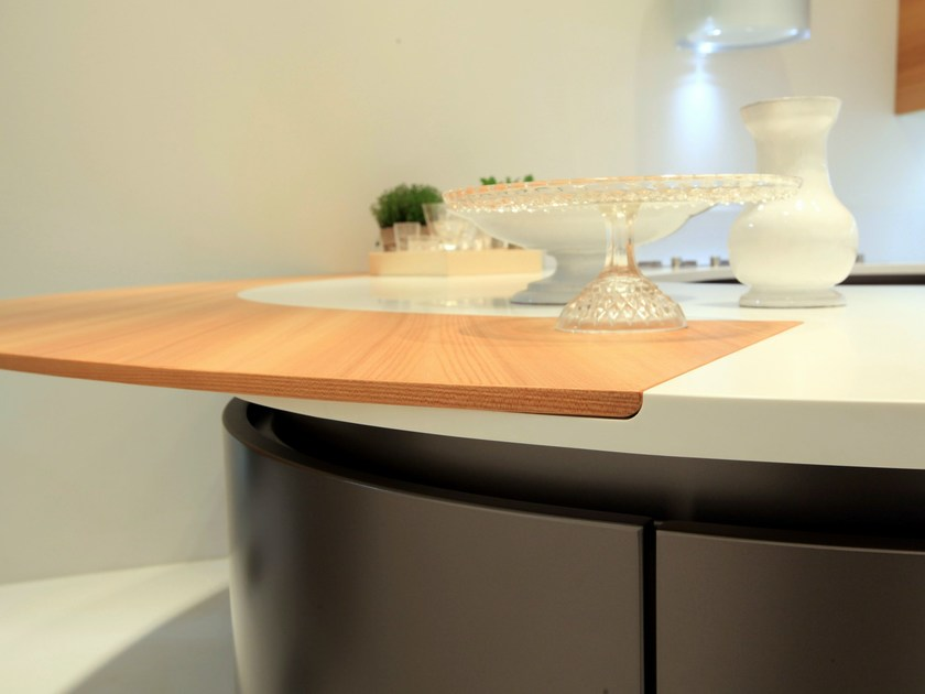 Oak kitchen with peninsula DOMINA | Kitchen with peninsula by Aster Cucine