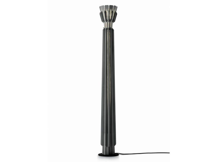 Design fluorescent metal floor lamp