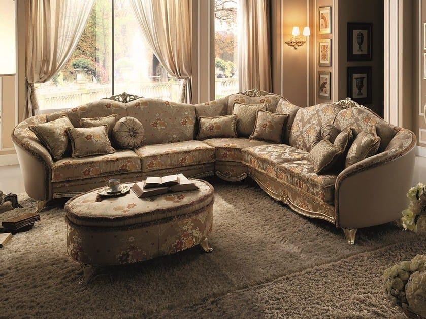 Divano angolare in stile classico tiziano divano for Divano classico