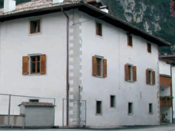 Gypsum plaster ISOLMANTO by Knauf Italia