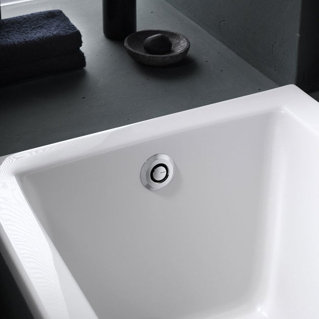 Bath drain pushcontrol by geberit italia Geberit drains