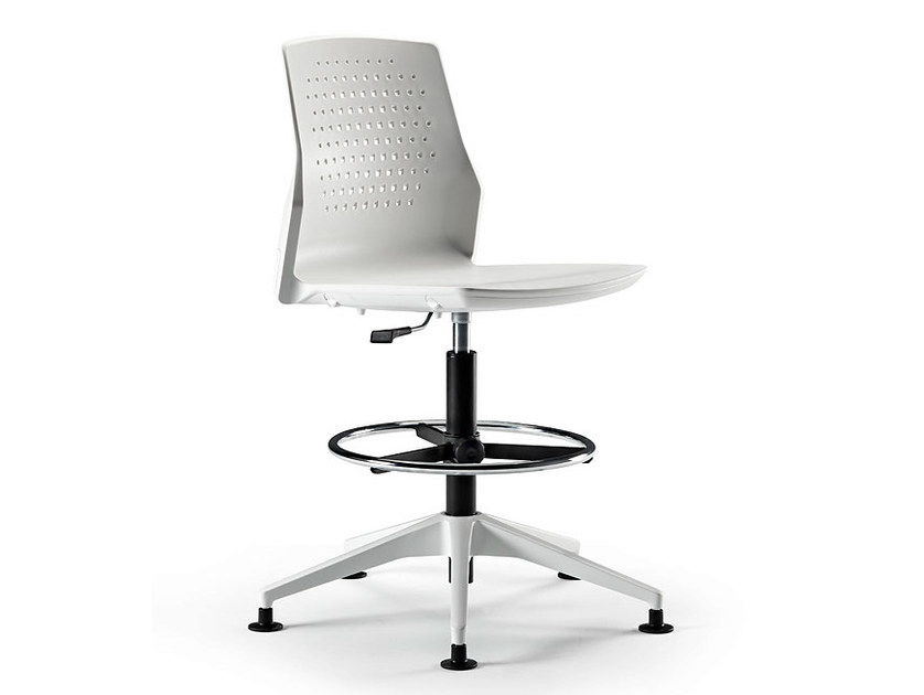 Height-adjustable swivel task chair with 4-Spoke base UKA | Task chair - ACTIU