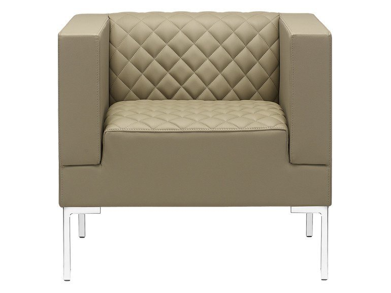 Upholstered armchair with armrests MATRIX MATELASSÈ | Armchair - SitLand