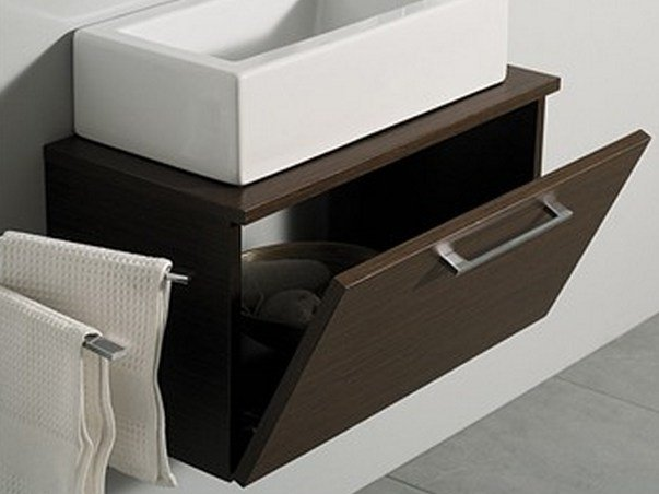 Mobile lavabo sospeso in legno con ante mini zen mastro for Piani domestici eco compatibili