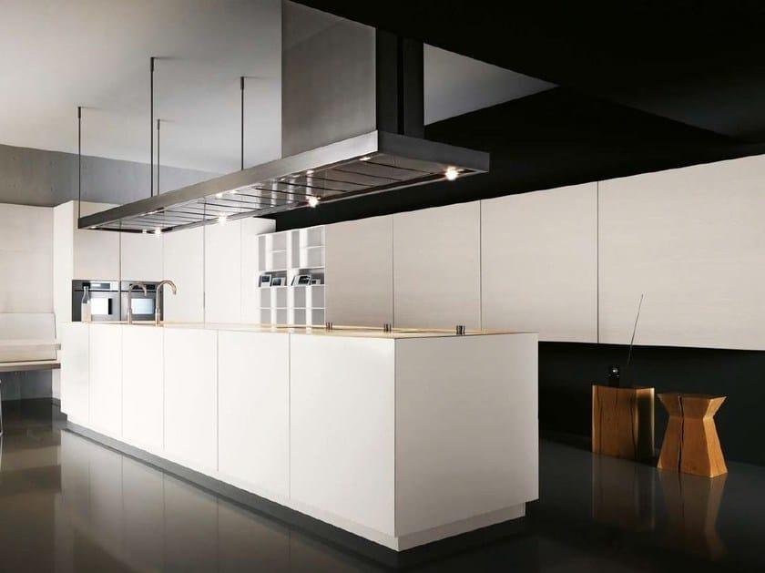 Cucina laccata senza maniglie elle 02 by cesar arredamenti design gian vittorio plazzogna - Cucina senza maniglie ...