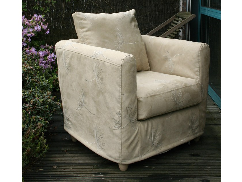 Upholstered armchair with armrests with removable cover MAXIME - Collection Maison