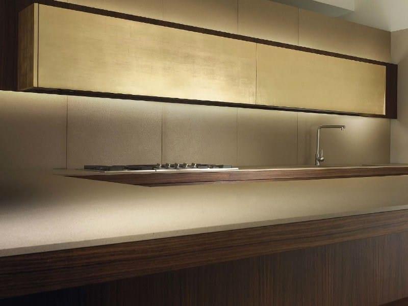 Wood veneer kitchen with island with integrated handles T45 | Wood veneer kitchen - TM Italia Cucine