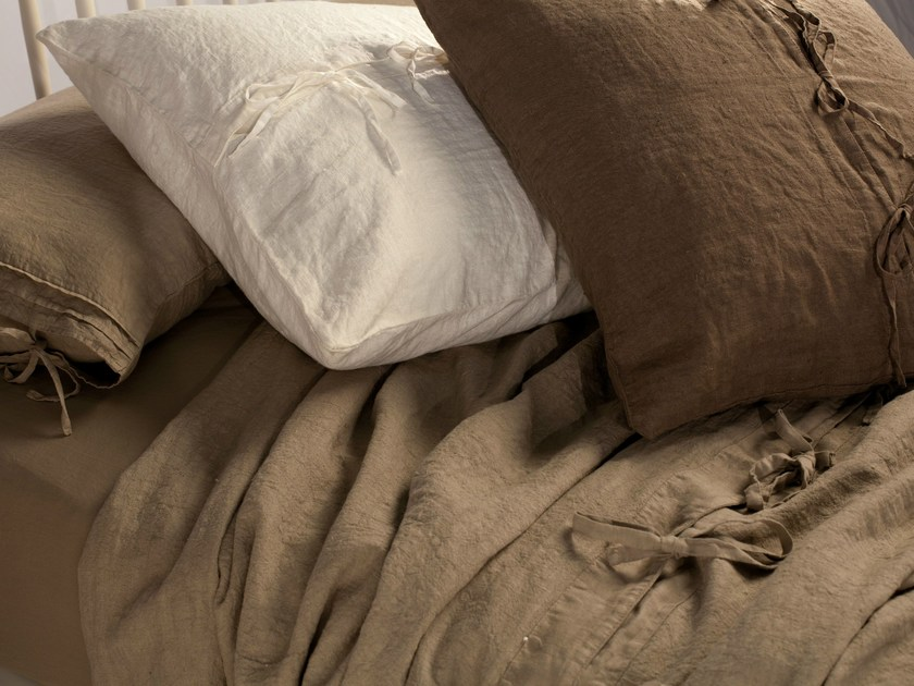 Solid-color linen bedding set LISBONA - Cantori