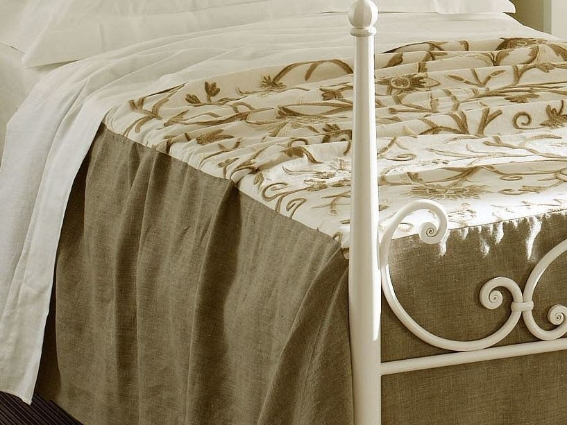 Embroidered bedspread with floral pattern SALENTO | Bedspread - Cantori