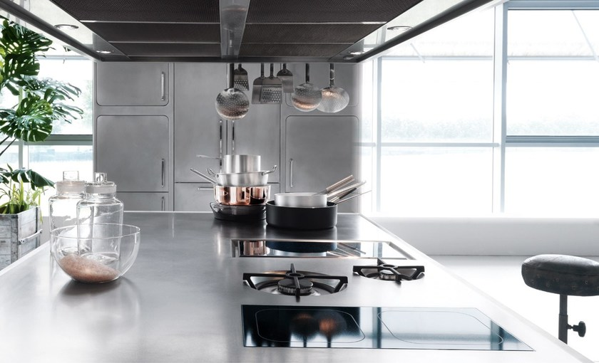 Cuisine professionnelle en acier inoxydable ego by abimis design alberto tors - Eclairage cuisine professionnelle ...