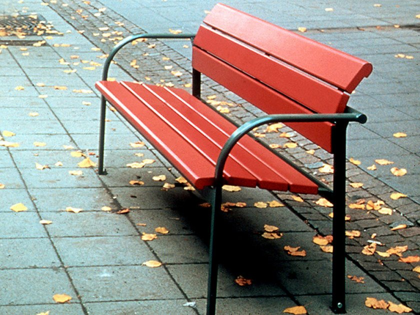 Wooden Bench with armrests KALMAR | Bench with armrests by Nola Industrier