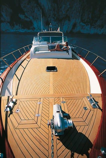 Doghe in teak per ponti di imbarcazioni doghe in teak for Arredo barche