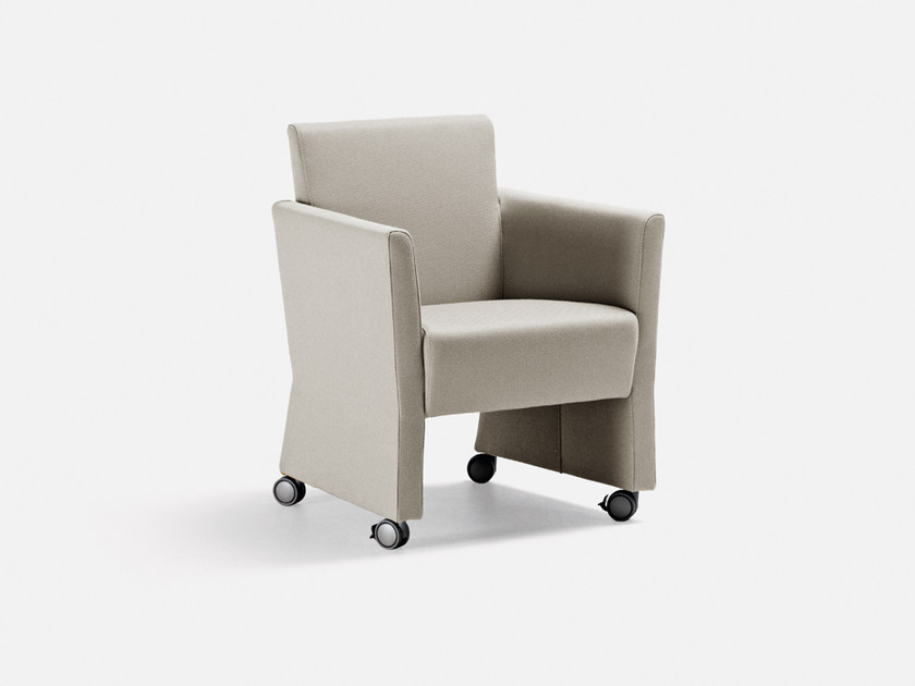 Fabric guest chair with casters HOLIDAY | Easy chair with casters by La Cividina