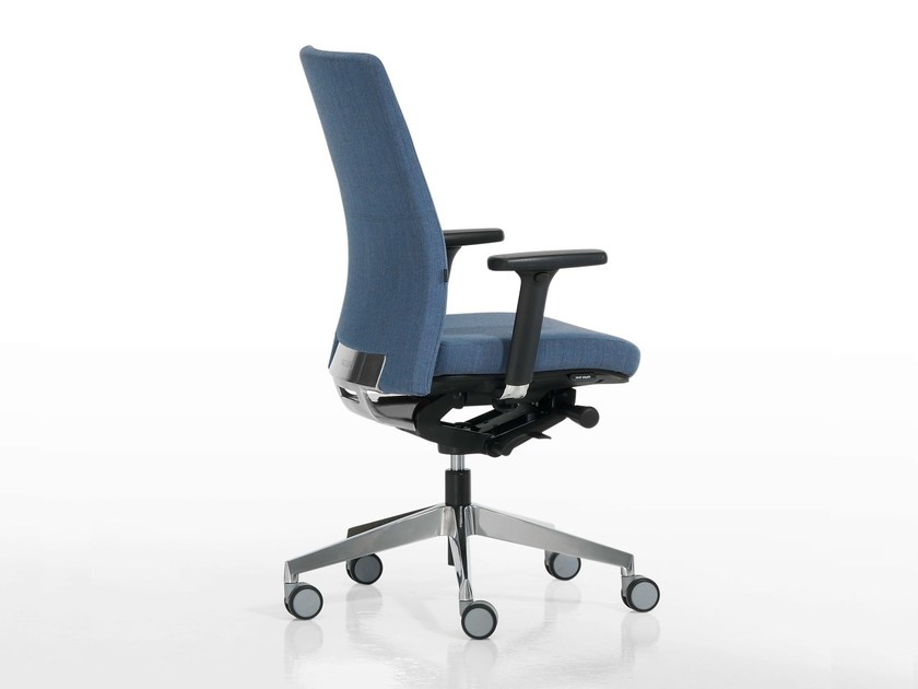 Task chair with 5-Spoke base with armrests ITEK 200 | Task chair with 5-Spoke base by Inclass Mobles