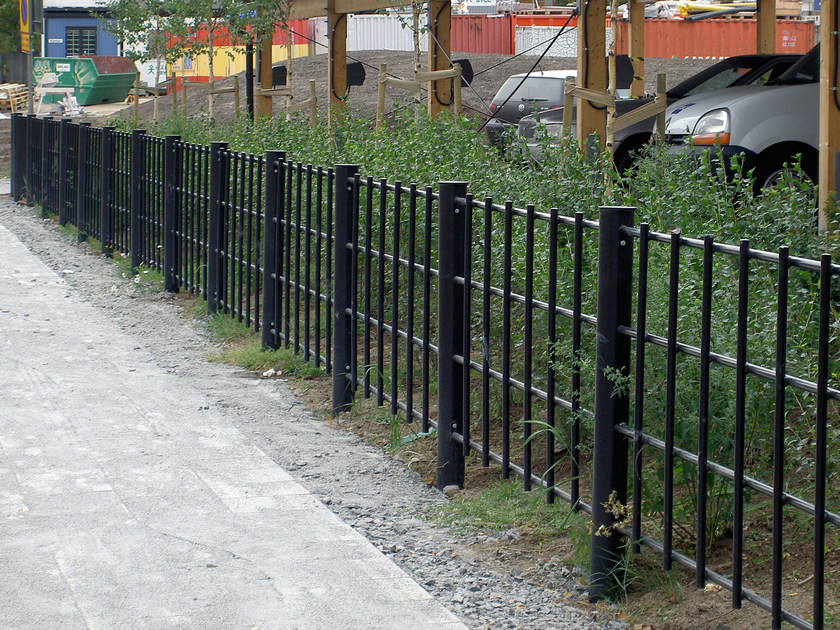 Steel pedestrian barrier SIRIUS by Nola Industrier