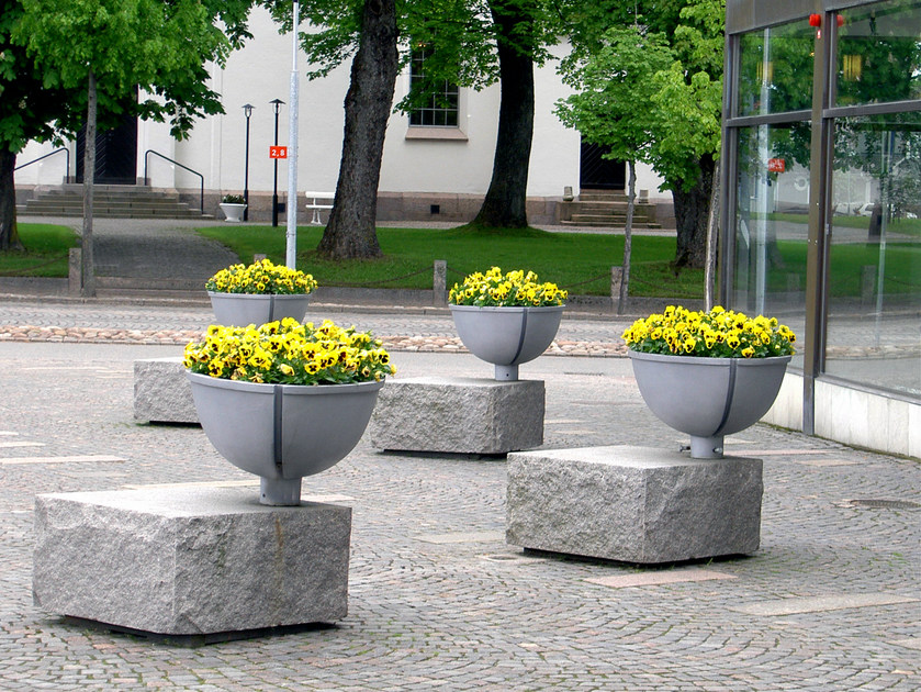 Aluminium Flower pot BERZELII - Nola Industrier