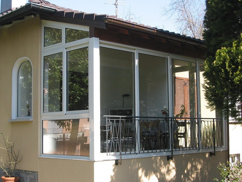 Vetrata in alluminio a taglio termico sl 51 vetrata - Verande mobili per balconi ...