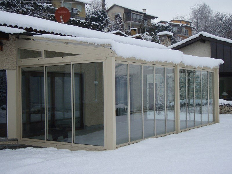 Veranda in alluminio e vetro veranda frubau - Serra bioclimatica normativa ...