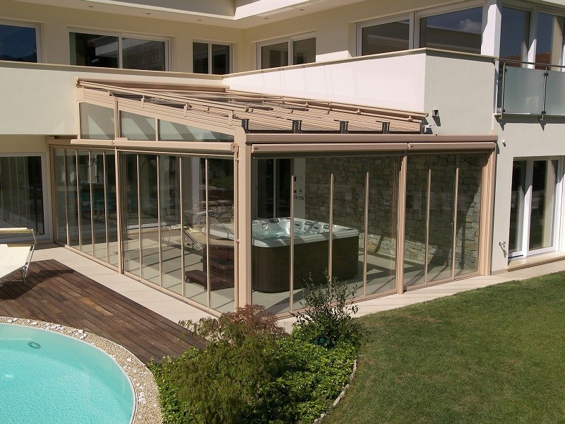 Glass and aluminium conservatory Conservatory by FRUBAU