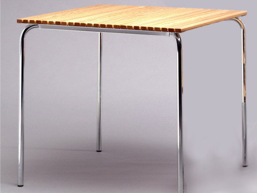 Square steel and wood garden table DJURGÅRDSBRUNN | Garden table - Nola Industrier