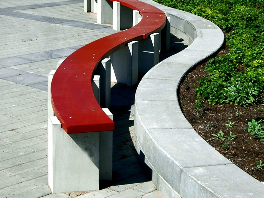 Sectional Curved backless cement Bench BOOMERANG by Nola Industrier