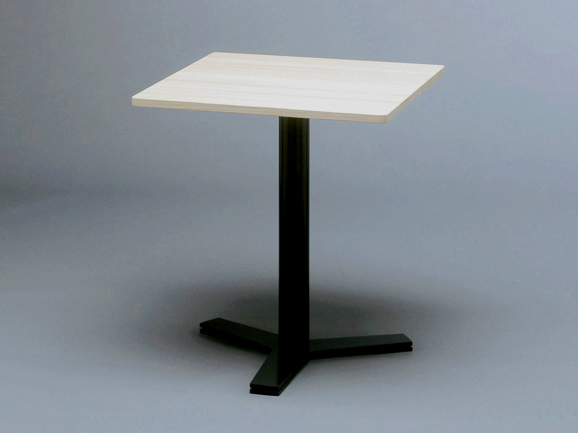 Square steel and wood coffee table LATTE - Nola Industrier