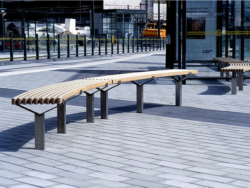 Curved steel and wood Bench LUMA | Curved Bench by Nola Industrier