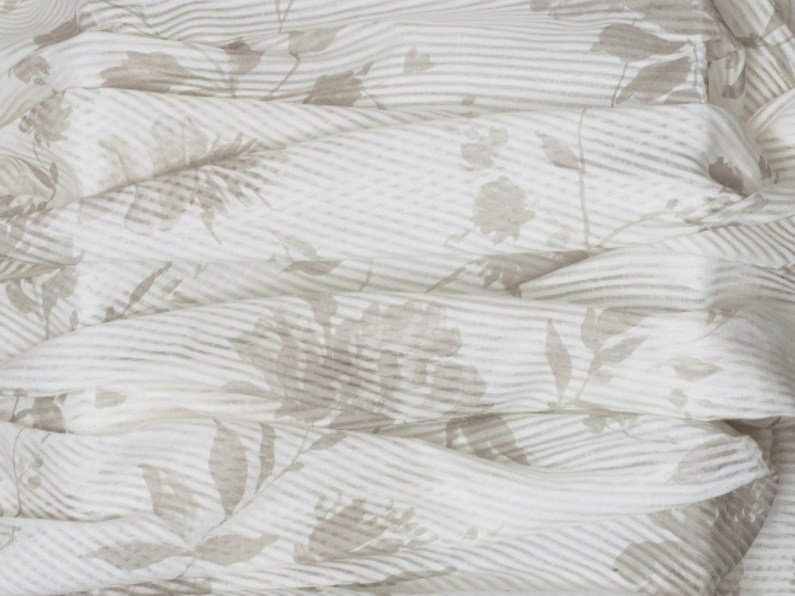Fabric with floral pattern for curtains PROVENZA CRUDO by Equipo DRT