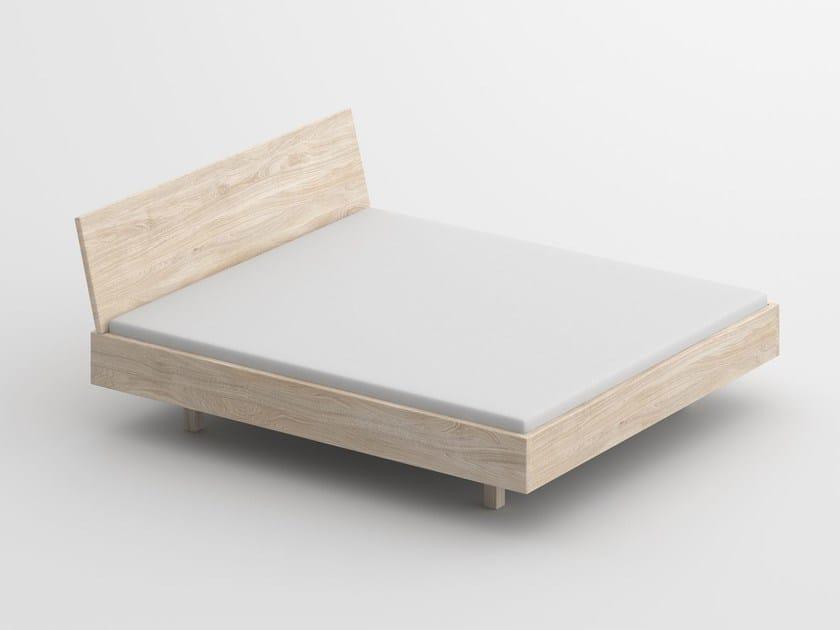 Letto matrimoniale in legno massello QUADRA SOFT by Vitamin Design