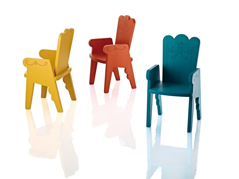 Beech kids chair with armrests REIET by Magis