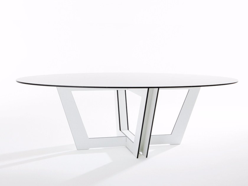 Oval HPL dining table RIVA | Oval table - conmoto by Lions at Work