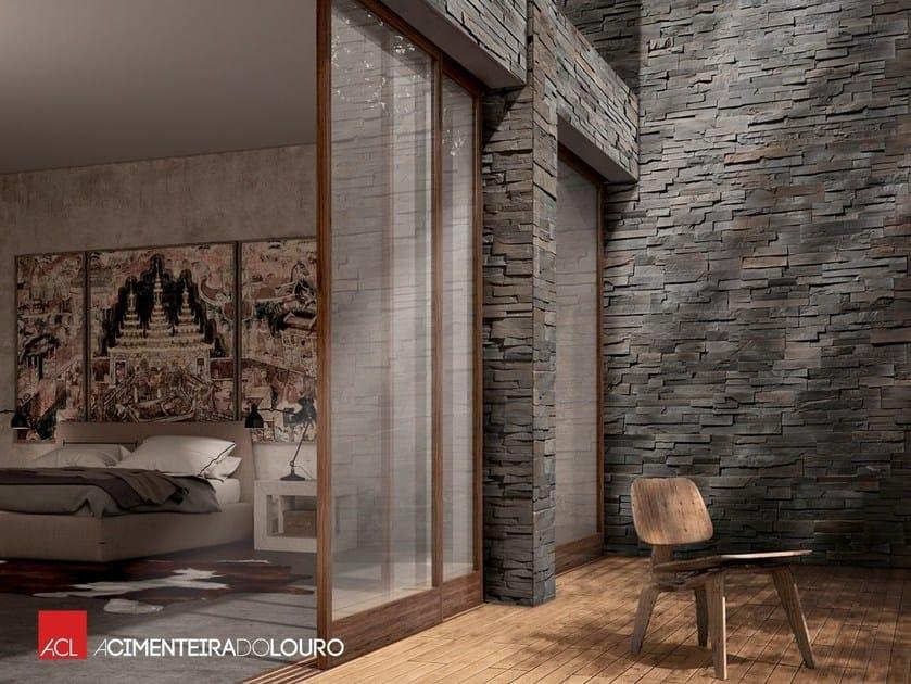Rivestimento di facciata in pietra artificiale royal for Facciate di case in mattoni e pietra