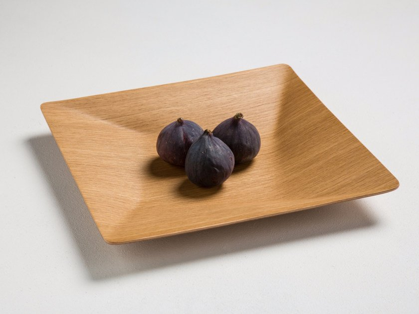 Square oak tray SCHALE 30 - conmoto by Lions at Work