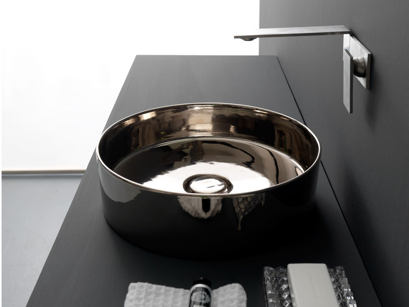 Countertop round ceramic washbasin SELFIE LUXURY PLATINUM by Alice Ceramica