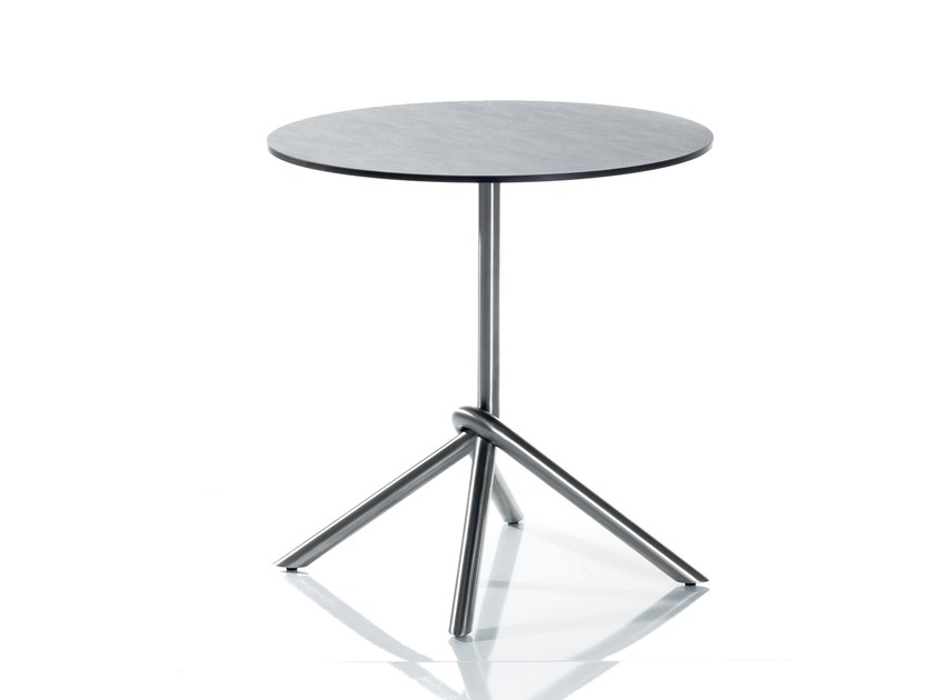 Folding round HPL table SMART SERIES | Round table by solpuri