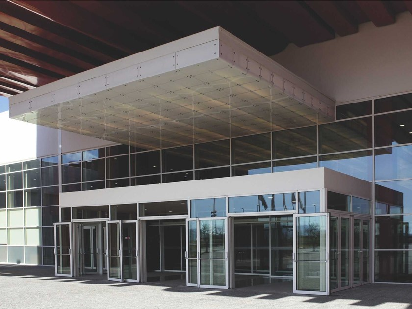 Continuous facade system SMARTIA M50 by Alumil