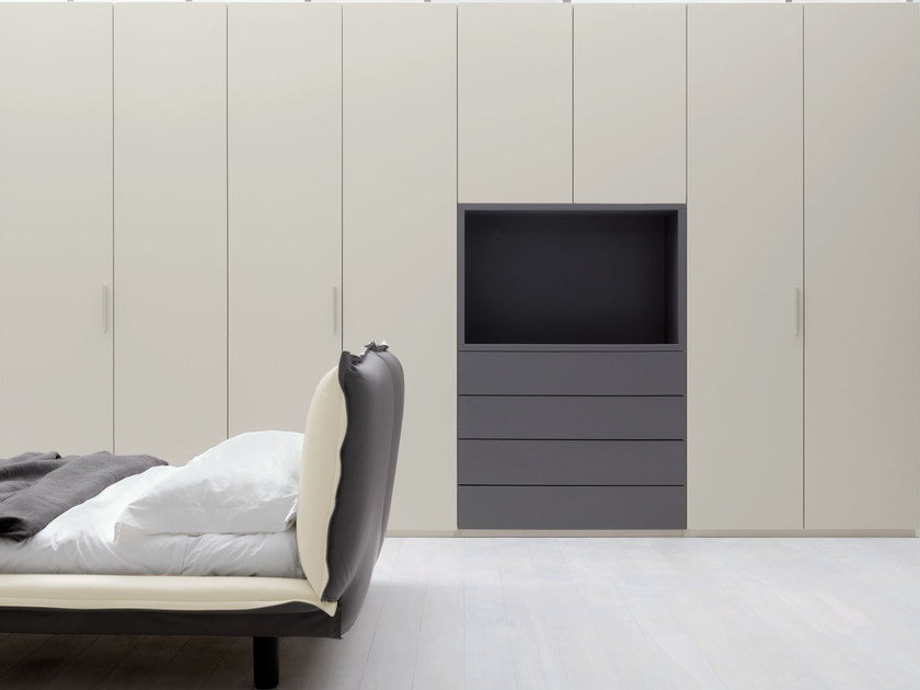 Sectional wardrobe with built-in TV SOFT | Wardrobe with built-in TV - Silenia