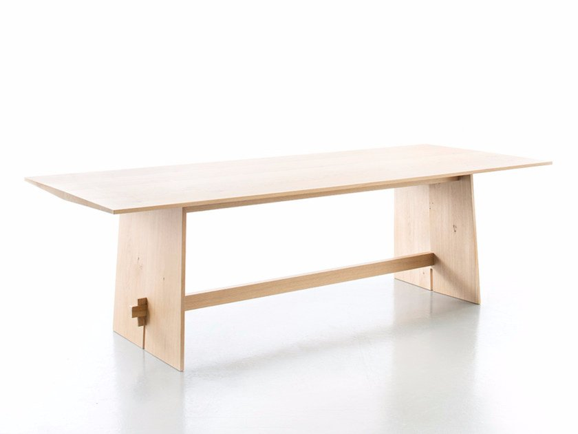 Rectangular oak dining table TENSION | Oak table - conmoto by Lions at Work