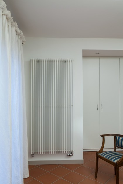 Hot-water vertical decorative radiator SPACE | Vertical decorative radiator - DELTACALOR