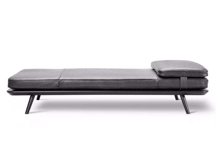 Leather day bed SPINE | Day bed by FREDERICIA FURNITURE