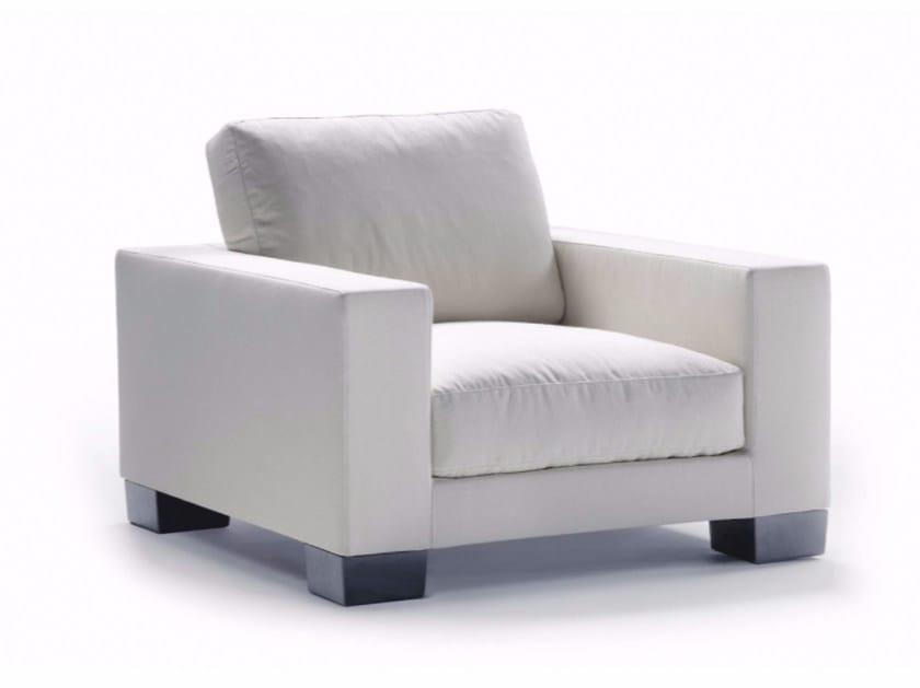 poltrona con braccioli status 02 by flexform design. Black Bedroom Furniture Sets. Home Design Ideas