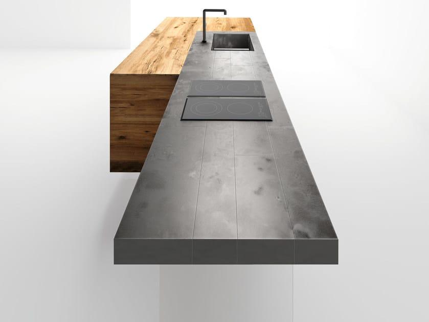 Designer Tisch Stahl Perfekter Balance