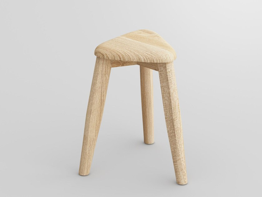 Low solid wood stool AETAS SPACE | Stool by Vitamin Design