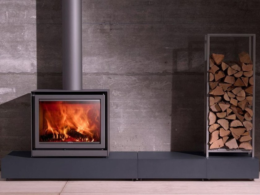 Wood-burning closed fireplace with panoramic glass STÛV 16-CUBE by Stûv