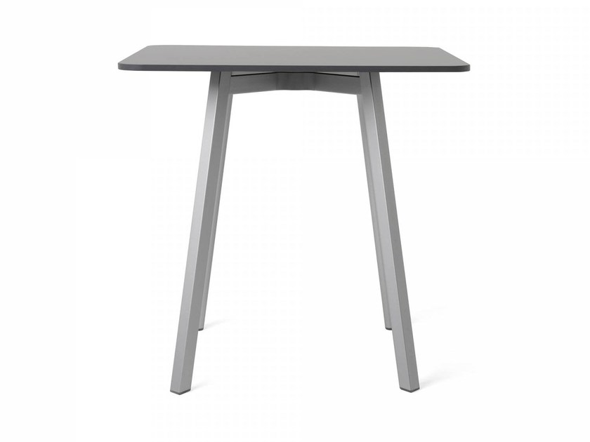 Square HPL table SU | Table by Emeco