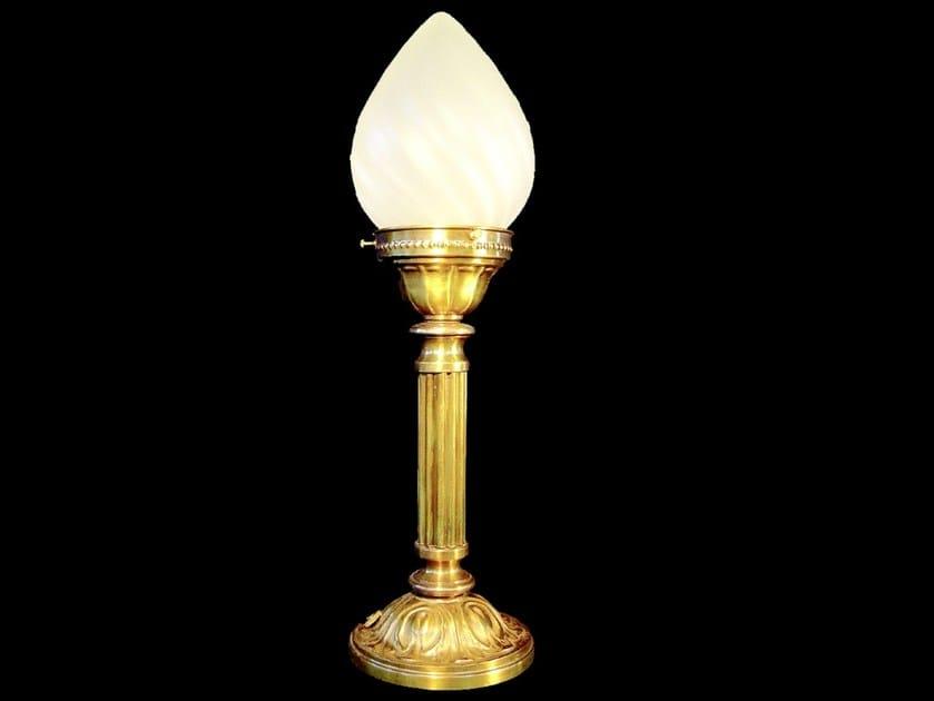 Lampada da tavolo a luce diretta fatta a mano in ottone GYOR | Lampada da tavolo - Patinas Lighting