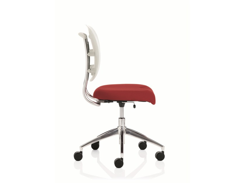 Task chair with 5-Spoke base FLOW | Task chair by Emmegi