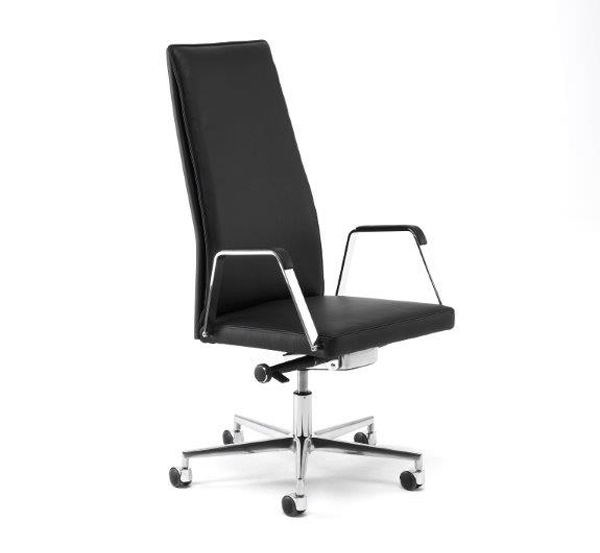 Leather task chair with 5-Spoke base with armrests .QU 1 | Task chair with 5-Spoke base - Spiegels